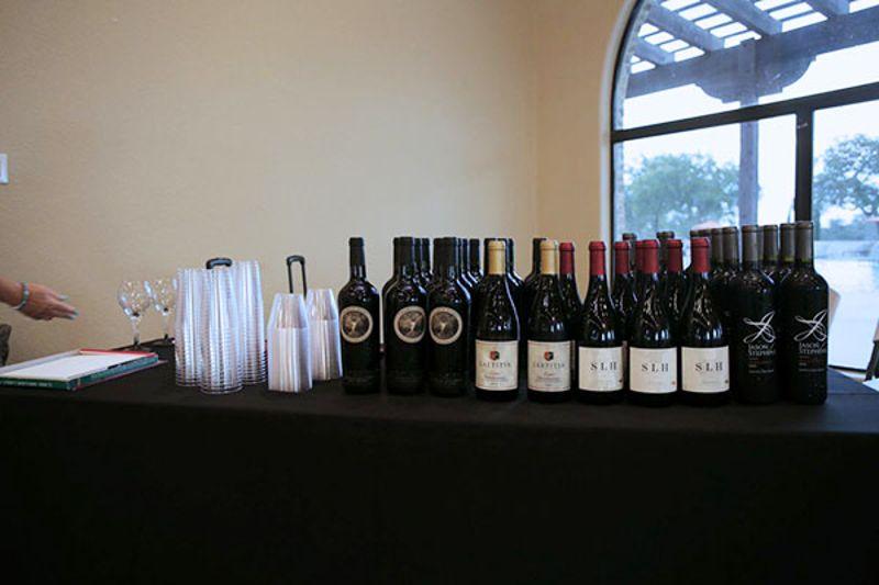 Vintage_Oaks_Wine_Club_11