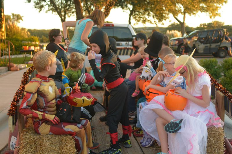 Best_Places_to_Take_Your_Kids_Trick-or-Treating-1