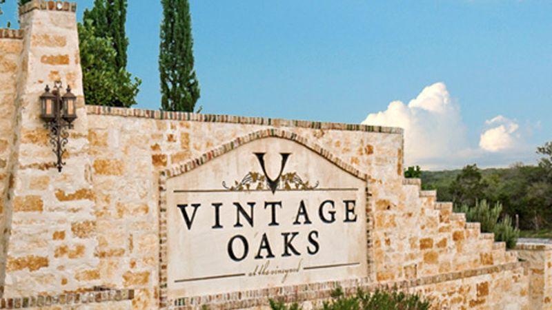Vintage Oaks Entrance