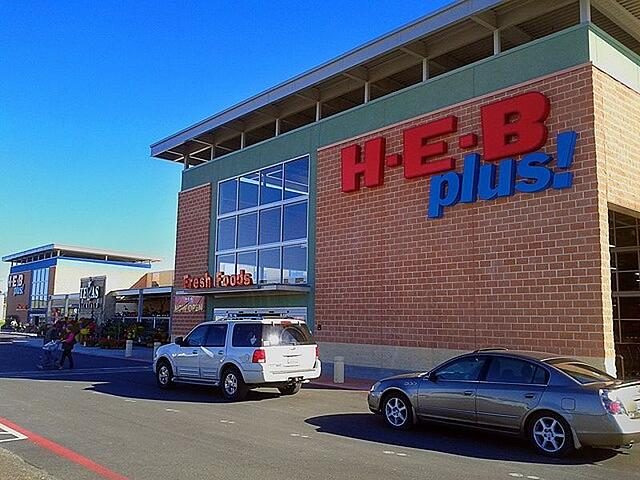 New Heb Plus Celebrates Grand Opening In New Braunfels