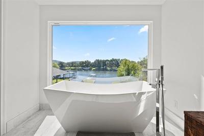 Lux-Des-Bath
