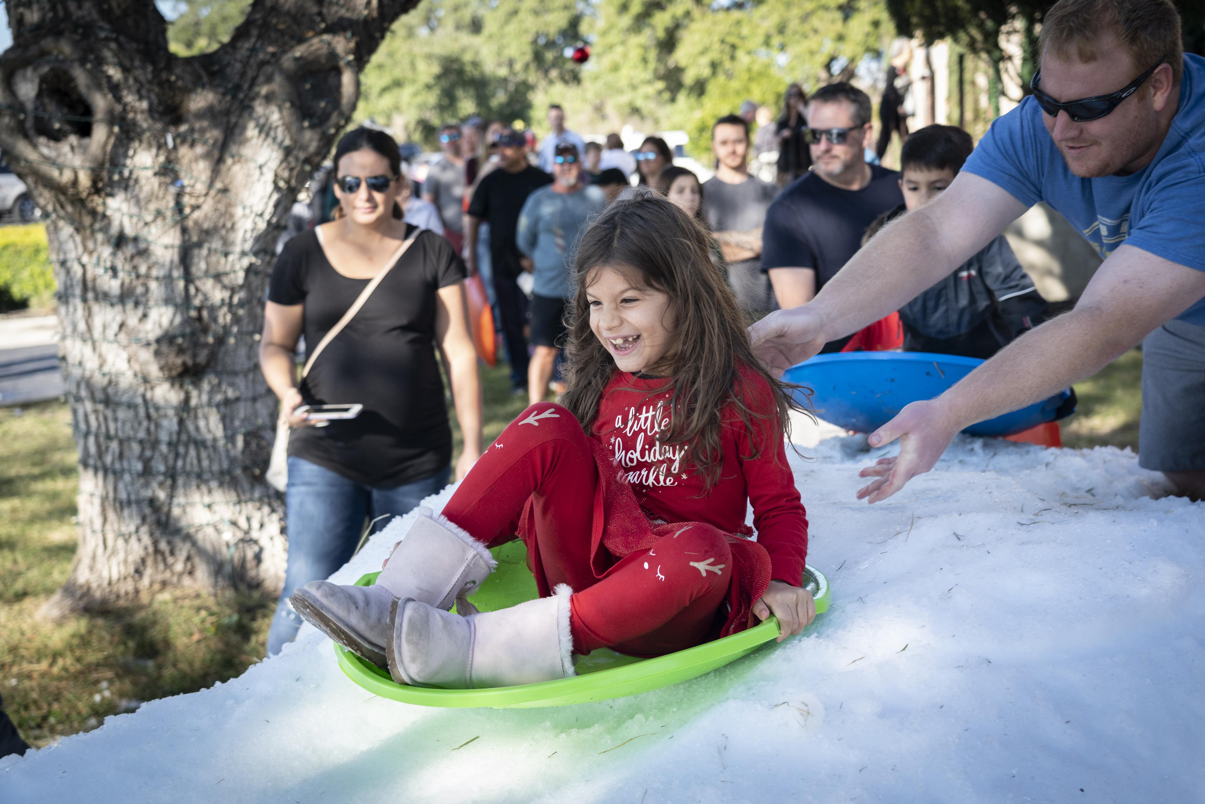2019 Holiday Sledding Party at Vintage Oaks New Braunfels Texas (84)