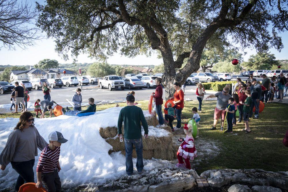 2019 Holiday Sledding Party at Vintage Oaks New Braunfels Texas (95)