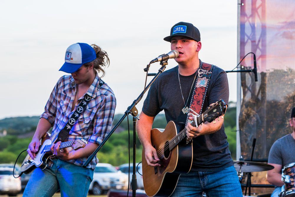 Vintage Oaks Summer Concert with Chris Colston Sept 2019 (13)