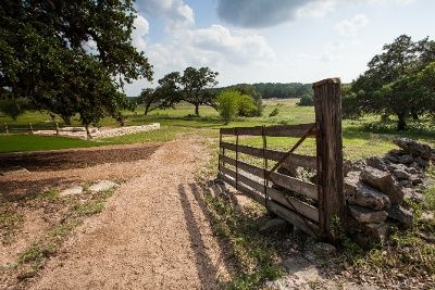 neighborhoods in Hill Country